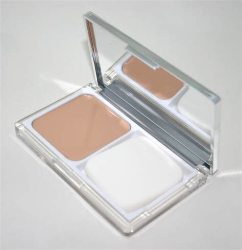 Clinique Cc clinique moisture surge cc compact uk