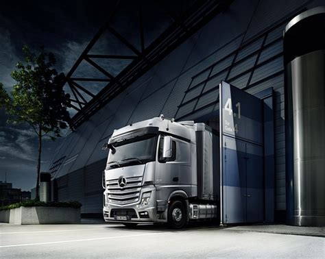 mercedes telematics new actros comes with standard fleetboard telematics