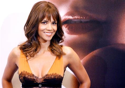 Halle Admits To Attempt by Halle Berry Admits Attempt 荷莉貝瑞坦承曾意圖自殺 Taipei Times