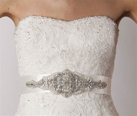 wedding dresses with belt