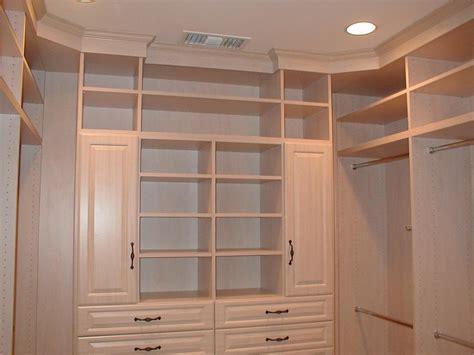 small walk in closet home design ideas pictures small walk in closets ideas ideas 3512