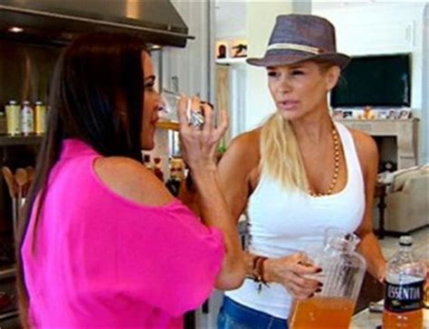 yolanda foster detox drink in part of the master cleanse including recipes and