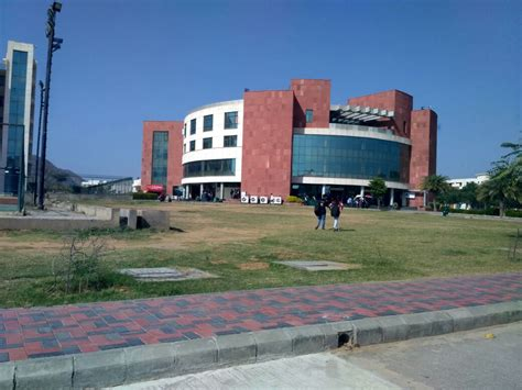 Amity Jaipur Mba Placement by Cus Placement Drive At Amity By Neelkanth
