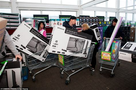Black Friday Carseat Deals 2014 Uk Black Friday Turns As Shoppers Fight Bargains
