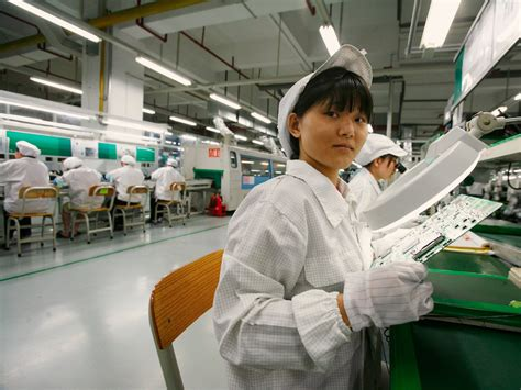 apple factory what apple s suppliers say about iphone 7 sales business
