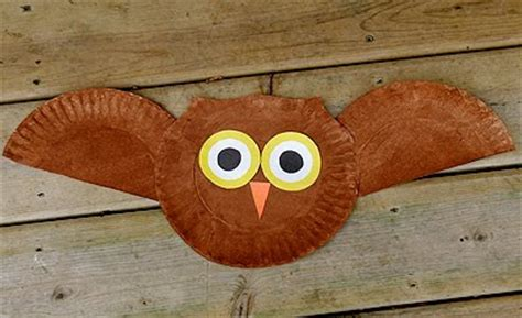 Paper Plate Owl Craft - preschool crafts for flying owl paper plate craft