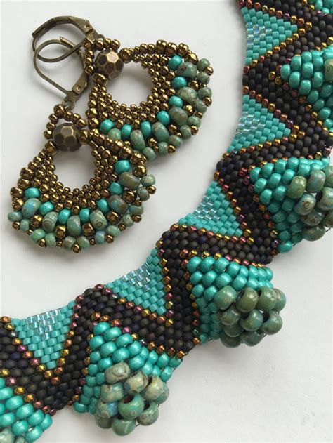 stitch beading 25 best ideas about peyote earrings on peyote