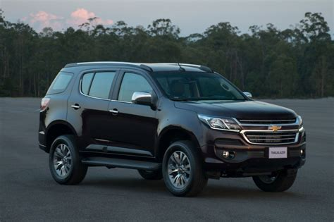 chevrolet trailblazer chevrolet trailblazer facelift photo gallery car gallery