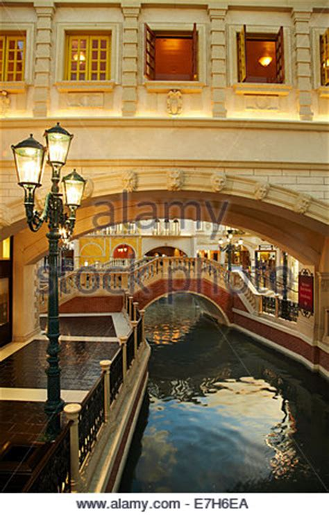 las vegas the grand the the casinos the mob the books grand canal shoppes at the venetian hotel and casino