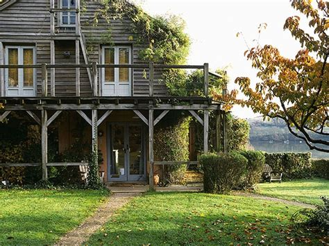 a frame house pictures seagull house devon the iconic wooden house