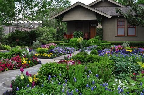 Front Yard Flower Garden Drive By Gardens No Lawn Flower Garden At Houston Heights Bungalow Digging Yard