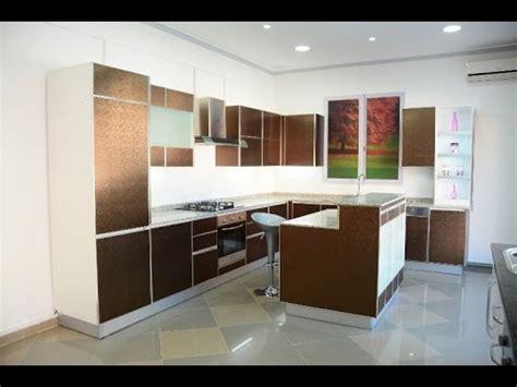 ilot cuisine moderne cuisine ultra moderne avec 238 lot central taupe