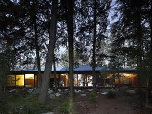 clear lake cottage by maclennan jaunkalns miller