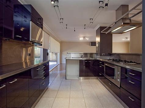 Country Galley Kitchen Designs Country Galley Kitchen Design Using Granite Kitchen