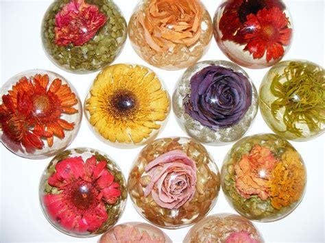 preserving flowers best 25 preserving flowers ideas on dried flowers wedding keepsakes and drying flowers