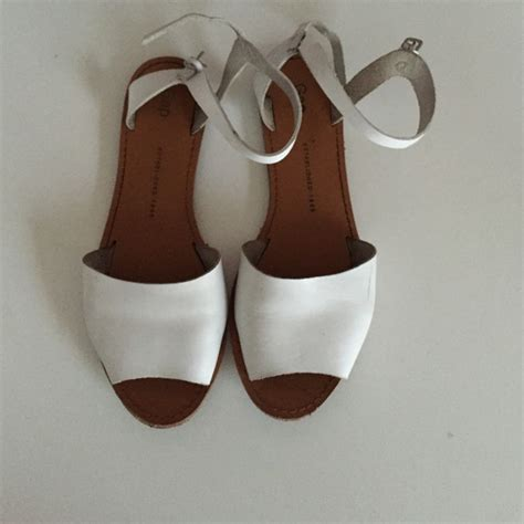 gap flat shoes 10 gap shoes flat sandals from s closet on