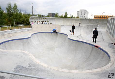 Concrete Backyard Hirschgarten Skatepark Review Munich Germany