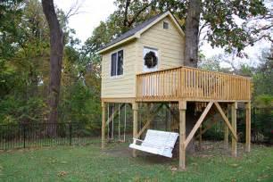treehouse house christmas tree house
