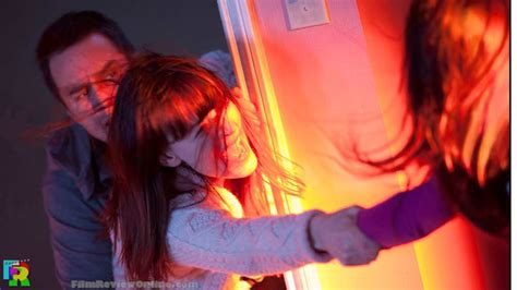 sam raimi s poltergeist try to think of it as a fun poltergeist 2015 sam raimi s remake trailer and lowdown