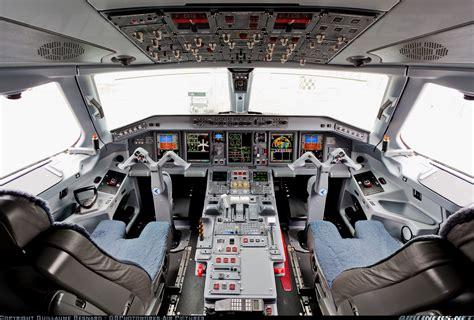 Erj 175 Cockpit