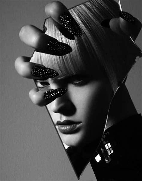 Reflection Motif Broken White broken mirror reflection fashion photography manicure nails fashion photography