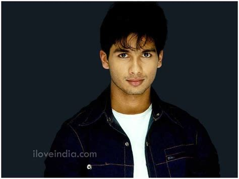 biography of hindi film actors shahid kapoor biography shahid kapoor childhood film