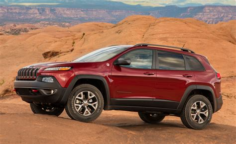 jeep cherokee fire jeep cherokee recalled over fire risk 187 autoguide com news
