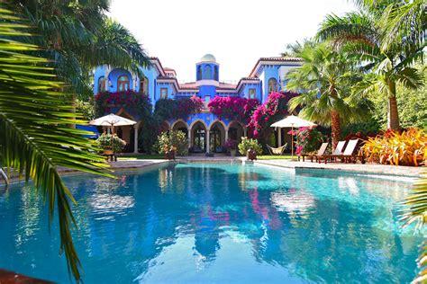 Kitchen Cabinets Miami Fl by Villa In Miami With Dramatic Moroccan Architecture