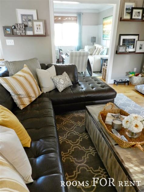 brown leather sofa decor 32 best decorating around a brown sofa images on pinterest