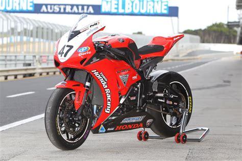 cbr series bikes tested 2012 team honda racing cbr1000rr cycleonline com au