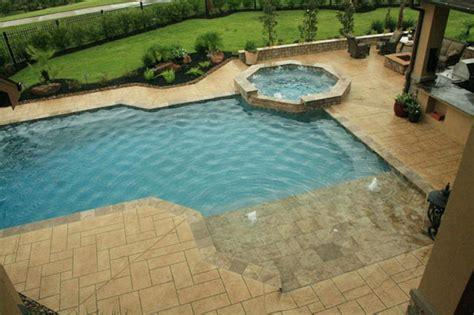 Backyard Pools With Entry Zero Entry Pool Bullyfreeworld