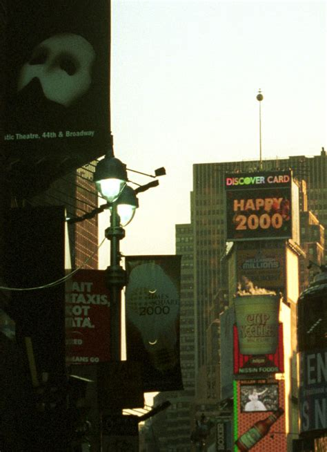 times square new years eve 2000 the millennium photographic images new years eve 1999 2000