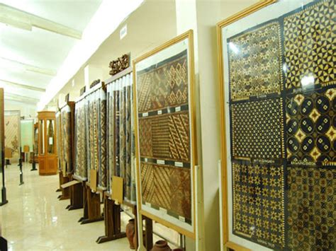 museum batik yogyakarta yogyakarta indonesia activity