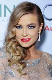 curly side hair carmen electra hairstyles side swept curls pretty designs