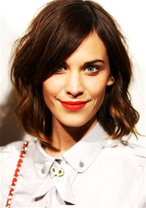 bobs cut awayfrom face choosing hairstyles according to your face shape and