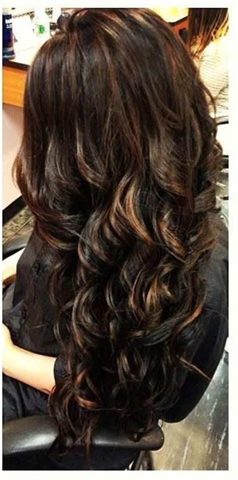 dark brunette layered hair  light brown highlights