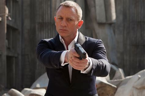 james bond bosses confident daniel craig will do fifth daniel craig will star in one more bond film before being