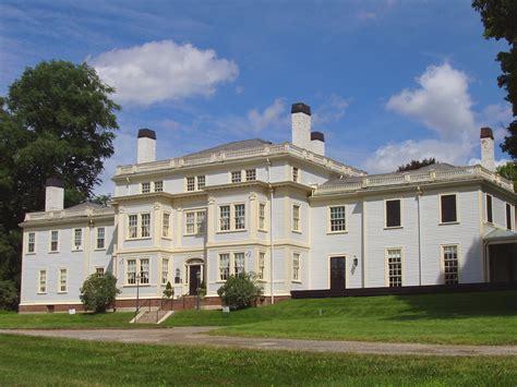 File:Lyman Estate, Waltham, Massachusetts   front facade