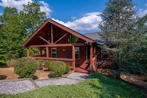 4 bedroom cabins in pigeon forge pigeon forge four bedroom cabin rental pool table mountain view