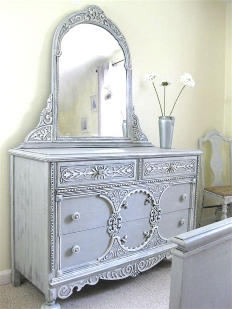 chalk paint look chalk paint 174 by sloan dresser and mirror looks
