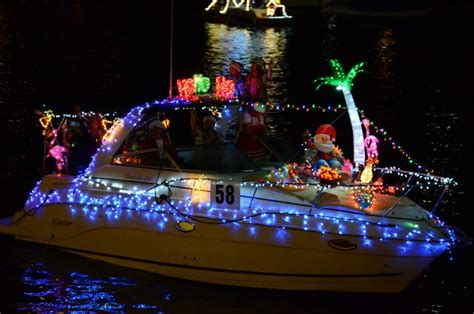 boat lights in kemah christmas boat lane parade on clear lake 365 things to