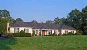characteristics of a ranch style house ranch style home these homes have the following characteristics often 1 floor but modern