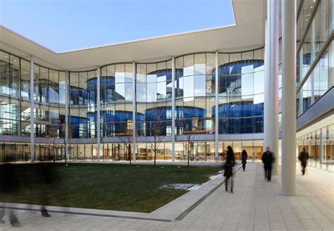 Yale Mba by Foster Partners Open Yale School Of Management S Edward