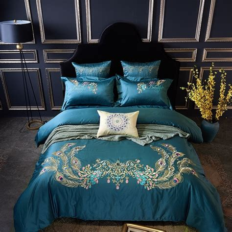 Bedroom Peacock Themed Bedroom With Luxurious Feeling 3 Of 15 Photos by 100s Cotton Peacock Feather Embroidery Luxury Bedding Set 4 6pcs King Size Bed Set