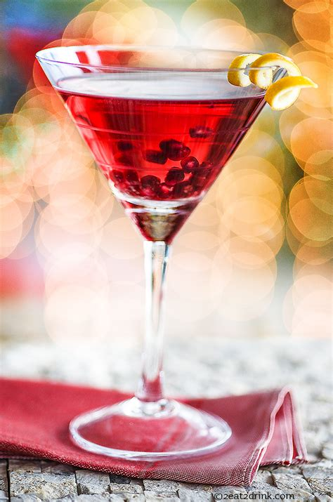 pomegranate martini yourself a merry pomegranate martini 2eat2drink
