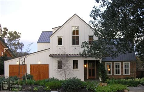 contemporary farmhouse love the combination of colours textures on the siding and