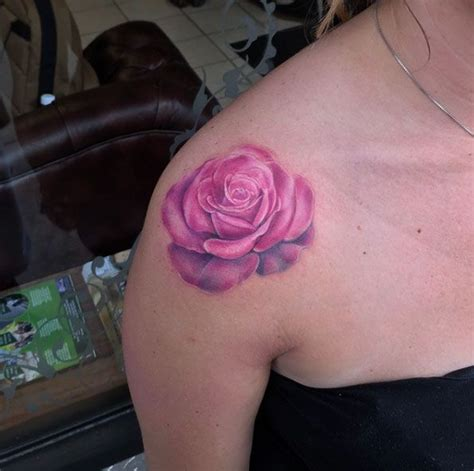 pinks tattoo on her shoulder the 25 best ideas about pink rose tattoos on pinterest