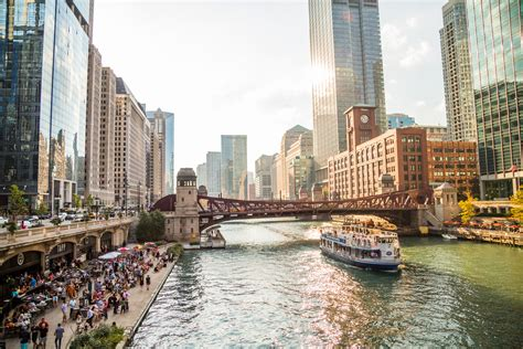 chicago houseboat rental rent a boat for a day chicago