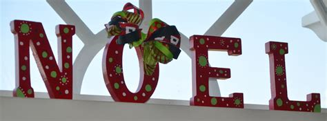one stylish momma christmas decorating wooden letters