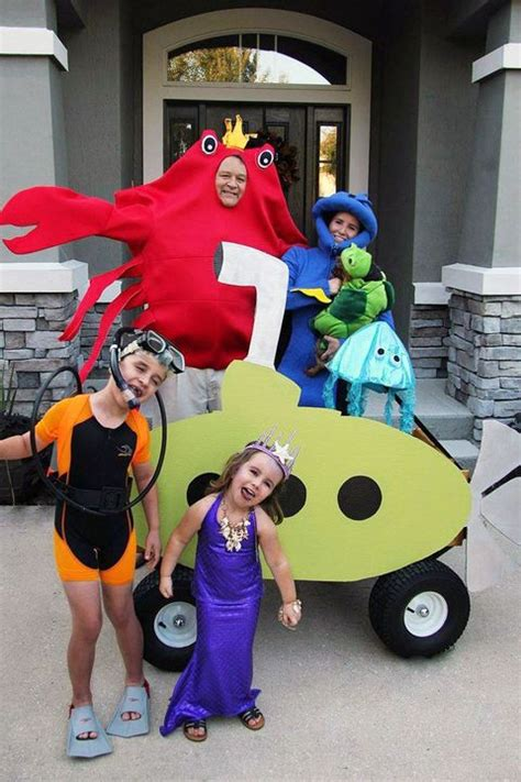 family halloween costumes  cute family